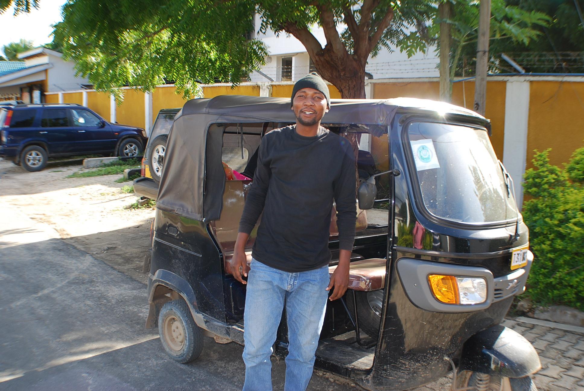 Indian Bajaj Manufacturer Starts Local Assembling of Auto Rickshaws